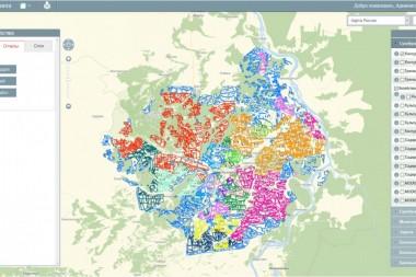 Система агромониторинга в Сухобузимском районе. Цветом выделены поля по принадлежности к разным сельхозпроизводителям.