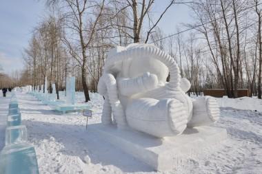 Ольга Пантелеева и Юлия Ильяненко,  скульптура  «Создание»