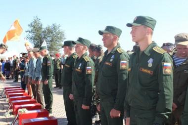 Митинг-церемония погребения воинов, погибших в период Сталинградской битвы