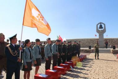 Митинг-церемония погребения воинов погибших в период Сталинградской битвы