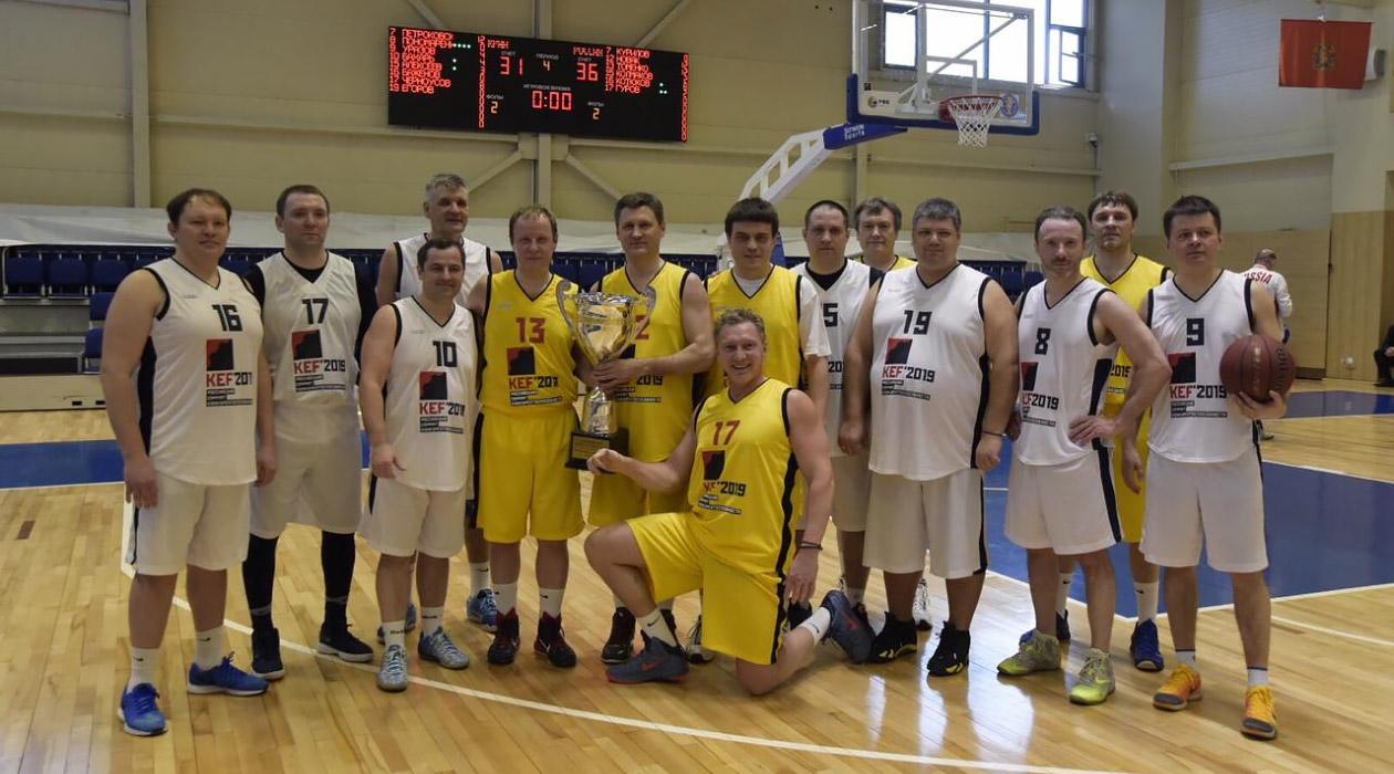 30 марта состоялся товарищеский матч по баскетболу между сборными Правительства РФ и Правительства Красноярского Края.